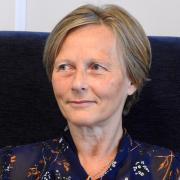 Line Vivian  Lyng - Traumeterapeut, Psykoterapeut, Kroppsterapeut, Veileder