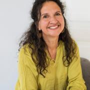 Sasja Iza Christensen - Psykoterapeut, Kropspsykoterapeut, Traumeterapeut, Familieterapeut/-rådgiver