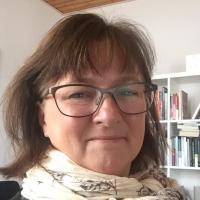 Anne Leonhard Olsen - Psykoterapeut MPF, Kropsterapeut, Mindfulness Instruktør, Stresscoach, Coach, Gestaltterapeut, Mentor, Parterapeut, Sexolog, Stressterapeut, Terapeut