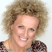 Camilla Clausen - Kærlighedscoach, Coach, Mentor, Traumeterapeut, Mentaltræner, Business coach, Tankefeltterapeut, Mindfulness instruktør